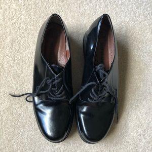 NWOT Black loafers